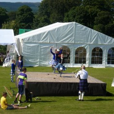 Concours de danse..  (Highland Games)