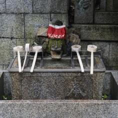 Le petit bassin purificateur du temple n°3 (nous nous arrêterons là mais il y en a encore quelques uns si on continue à monter)
